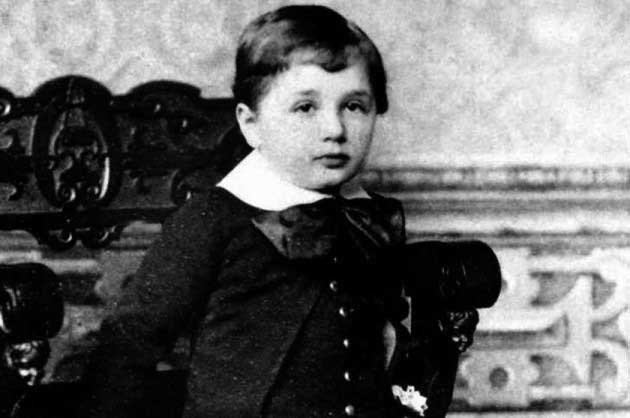 Albert Eistein childhood